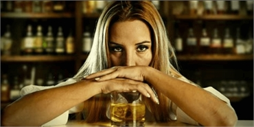 Can I drink alcohol after tooth extraction?